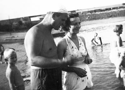 1983. Béla bácsi halászkunyhója és a magyar vízi rendőr.