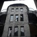 A lakóközösségnek nincs túl sok pénze, hogy felújítsák a Vágó László és Vágó József tervezte ötszintes épületet