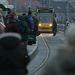Tömeg a 4-6-os villamos Moszkva téri végállomásán