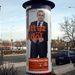 Pokorni Zoltánnak saját, egész alakos plakátja van.