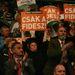 Orbánt többen is felállva tapsolták