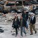 október 13.  Angelina Jolie a szerb háborús csatamezővé alakított Tűzraktárnél rendezi filmjét. Az index cikke »