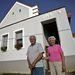 Megszerették új otthonukat. IHS - írta fel az építész, mert úgy érezte, lakói feltámadtak.