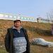 """November 3. - Kifosztotta, majd utcán hagyta a hajléktalanokat Zugló. """"Zuglói polgármesterként felelősséggel tartozom önökért, nem szeretném, ha megfagynának"""" – vezette fel Papcsák Ferenc tréfásan, hogy miért bontják le a tél kezdetén a zuglói hajléktalanok kalyibáit, és miért éppen a hidegek megérkezésekor veszik el az utcán élőktől ingóságaikat. >>"""