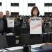 Január 19. - A magyar soros elnökség programját támogatja az Európai Bizottság, de Orbán Viktor strasbourgi felszólalása után éles bírálatokat fogalmaztak meg a magyar médiatörvényről az Európai Parlamentben. A kormányfő éles hangon kifogásolta, hogy meg akarják kérdőjelezni a magyar nép demokratikus elkötelezettségét.  >>