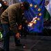 """Jobbik elnöke Barossonak azt üzente, """"ha beteszi a lábát az országba, akkor """"megtekerik az orrát és karikás ostorral fogják kizavarni""""."""