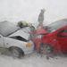 Tűzoltók dolgoznak egy balesetnél Debrecen és Ondód között ahol két autó ütközött össze frontálisan az erős hófúvásban. A balesetben ketten sérültek meg.