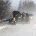 Tűzoltók dolgoznak a hófúvásban az M7-es autópálya székesfehérvári szakaszán ahol több autó szenvedett balesetet