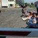 Elempés képviselők és aktivisták láncolták le magukat a Közgép Soroksári úti telephelyén szerda délelőtt