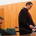 Az ügyész felolvasta a vádiratot