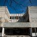 Az egykori Görgey Artúr Általános Iskola épülete Csepelen. Az életveszélyes épület bontásáról az önkormányzatnak nem sikerült megállapodnia a tulajdonosokkal, a nyitott épület hajléktalanok, fémgyűjtők és drogosok tanyája lett a polgármester szerint.