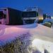 Hótorlaszban álló kamionok az M1-es autópályán péntek este.