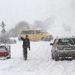 Autósok állnak a Miskolc és Harsány közötti járhatatlan úton 2013. március 15-én. A nyugati országrész mellett Szabolcsban és Észak-Magyarországon okozott súlyos gondokat a hó.