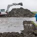 A Tiszántúli Vízügyi Igazgatóság (Tizvizig) szakemberei a nagyiváni 40 millió köbméter belvíz befogadására képes vésztározóba vezetik a Hortobágy vizét.