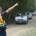 Győrújfalu határában visszafordítják az autókat, a legkritikusabb területre civileket már nem engednek be.