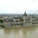 Az áradó Duna a Parlament előtt