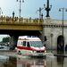 A Margit hídnál a csatorna nem tudta elvezetni a délután lezúduló esőt