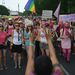 Hosszú évek óta nem voltak ilyen sokan a melegfelvonuláson, és rég volt ennyire atrocitásmentes a rendezvény. A szervezők szerint legalább nyolcezer ember vett részt a Budapest Pride-on.