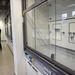 A kémiai kutatólaborokat vegyi kamrával szerelték fel, ezekben biztonságos a kísérletezés
