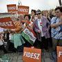 A kampányban nagyon értékesek a női harcosok, mondta Orbán