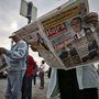 Mindenki kapott újságot a fideszes aktivistáktól
