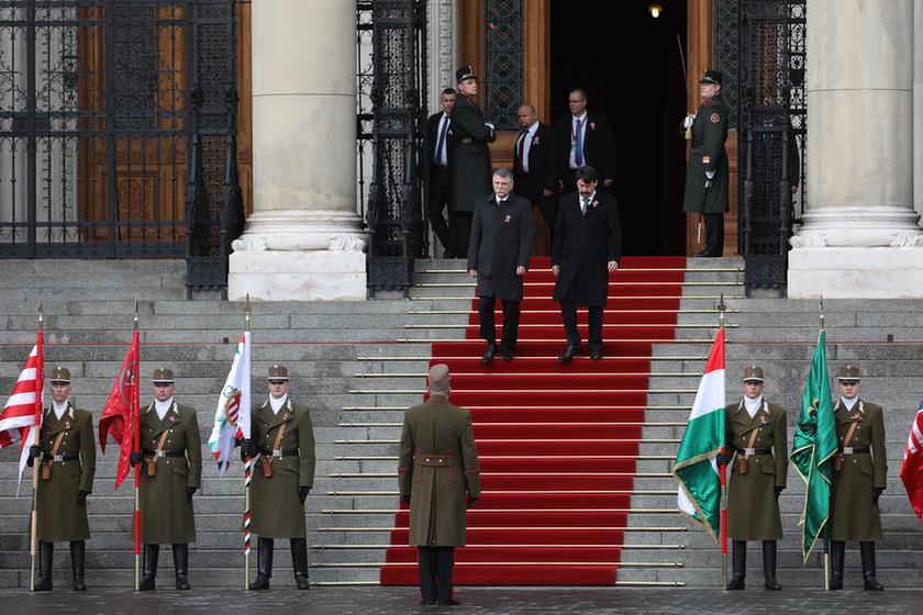 Orbán látványosan rálépett a fékre - 1