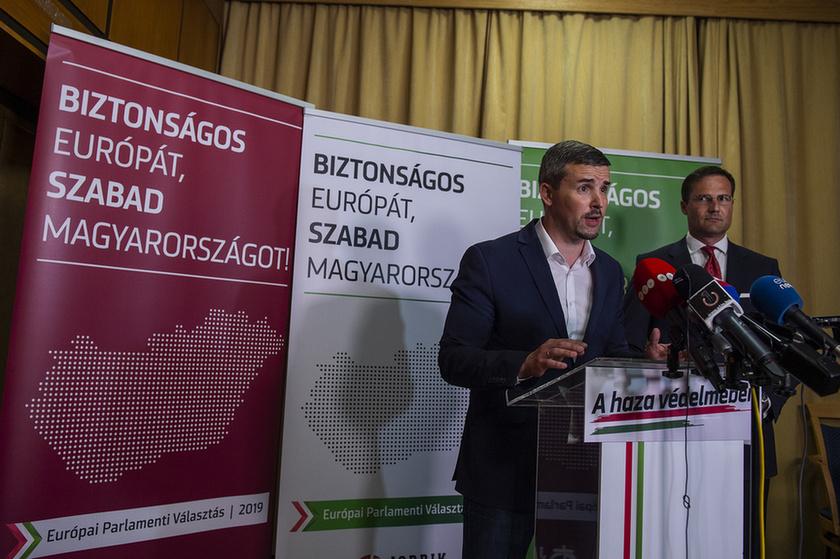 Klárára, a Fideszre és a karaktergyilkosságra mutogatnak - 4