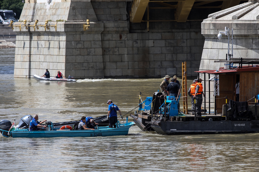 Deadly boat crash on the Danube: Divers forbidden from entering shipwreck despite plea from South Korean Defence Attaché - 10