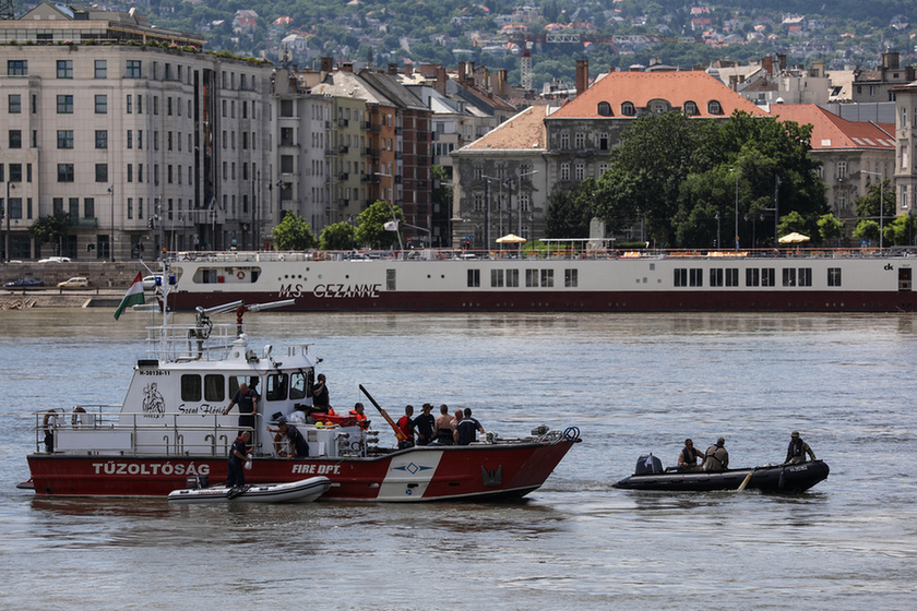 Deadly boat crash on the Danube: Divers forbidden from entering shipwreck despite plea from South Korean Defence Attaché - 9