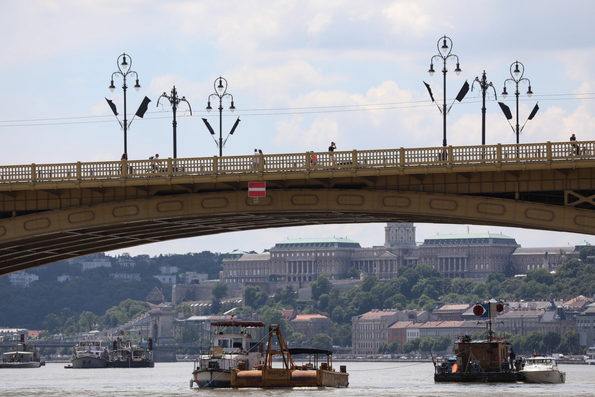 Deadly boat crash on the Danube: Divers forbidden from entering shipwreck despite plea from South Korean Defence Attaché - 6