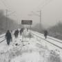 Utasok sétálnak Zugló felé