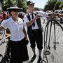 A veteránozás gálája, a biciklik korához passzoló divat megidézése