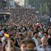 Április 19. 65 éve zárták gettóba a magyarországi zsidóságot. Az évforduló alkalmából több ezren vonultak végig Budapest utcáin az élet menetén. Hivatalosan április 16. a holokauszt emléknapja, idén azonban ez pészah ünnepére esett, a vallási ünnep alatt pedig nem kerülhetett sor a megemlékezésekre.