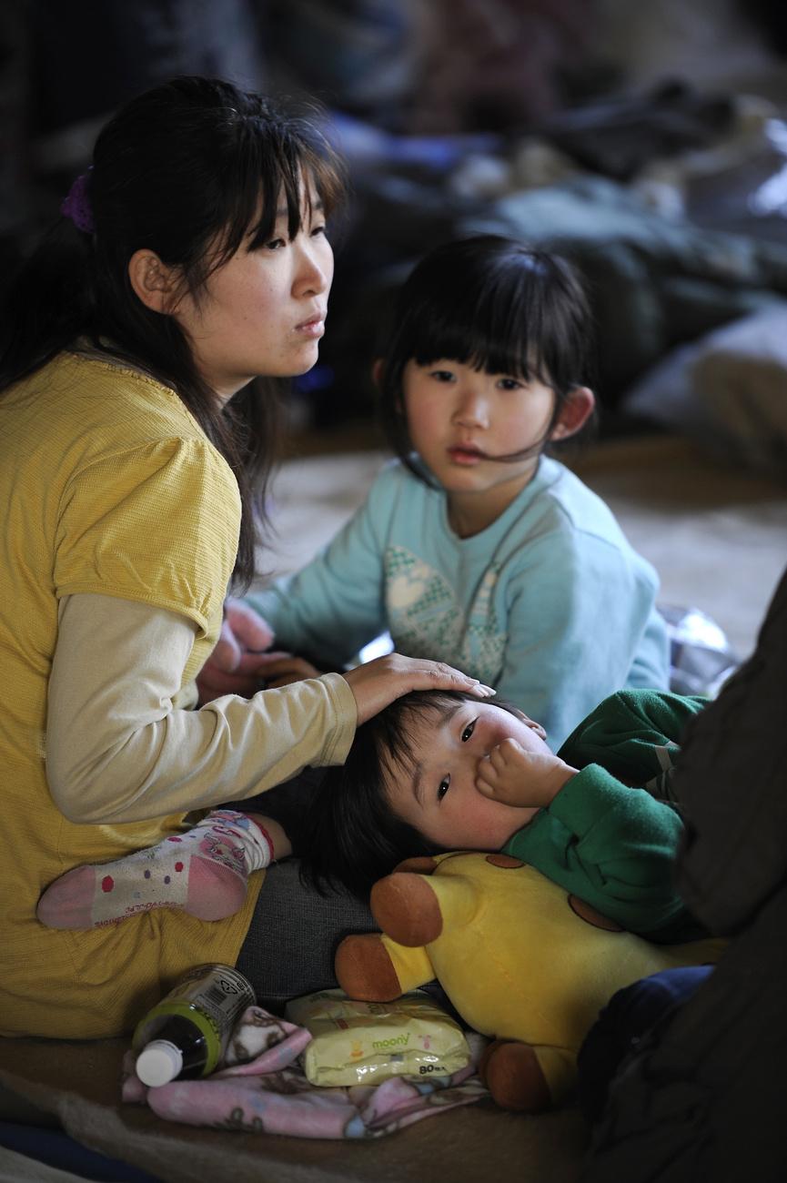 A Fukusima erőmű 20 kilométeres körzetéből összesen 180 000 embert kellett kimenekíteni