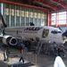 Budapest 2004. október 7.  Egy Boeing 737-300-as repülőgép nagyjavítása az Aeroplex hangárjában.