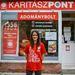 Viktória, önkéntes eladó a Karitász adományboltban
