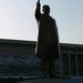 Kim Il Szen szobra a maga 32 méteres magasságával a világ legnagyobb ábrázolása a Nagy Vezérről