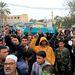 A légicsapások egy áldozatának temetése Tripoli közelében
