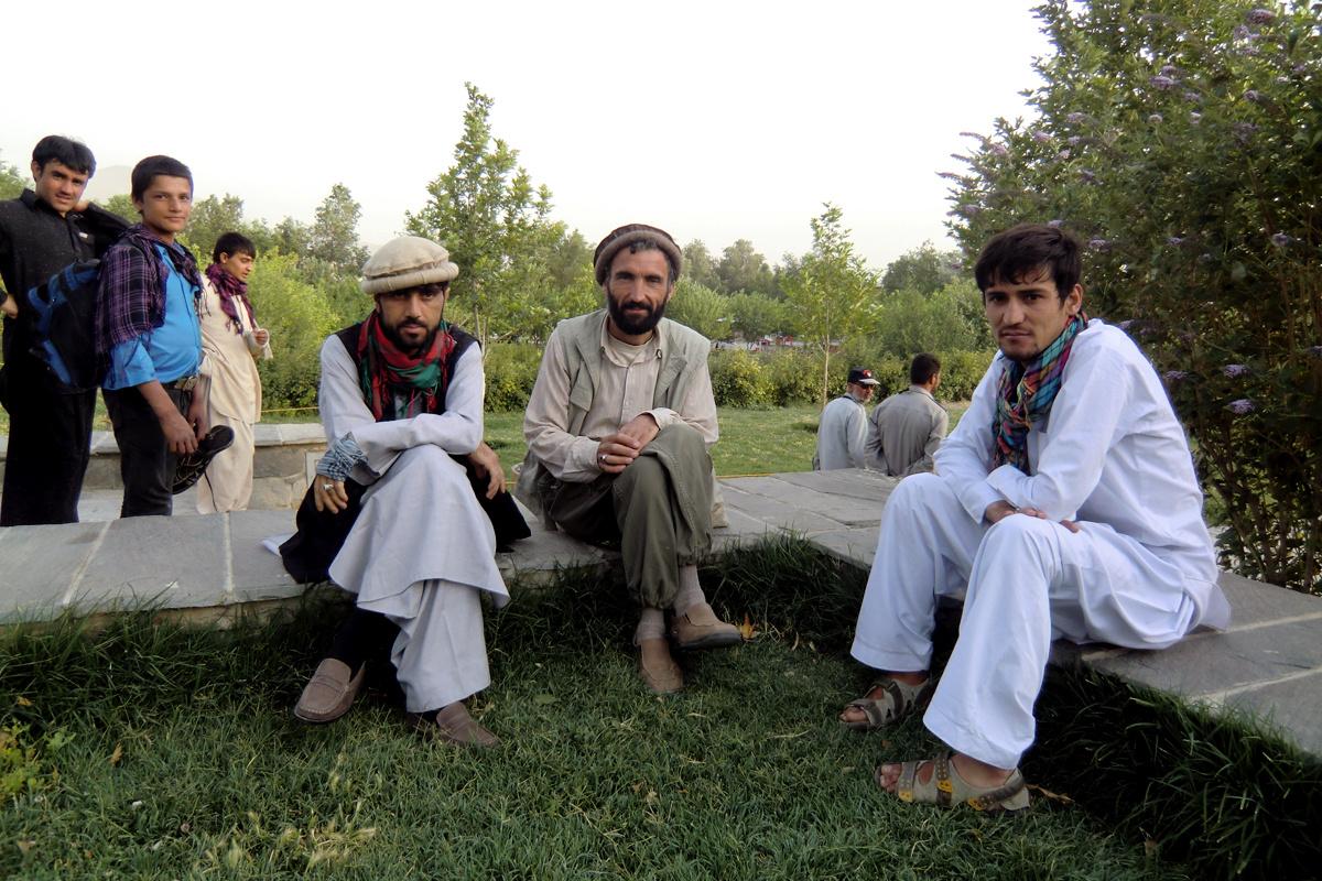 A nemzetközi haderő 2014-re tervezett távozásáig még sok a teendő Afganisztánban. A civil társadalom ugyan már létezik, de még embrionális, az afgán biztonsági erőkben a helyiek még nem bíznak, a kormányzatot pedig inkább a korrupció, mint a működőképesség jellemzi. De másfél év, az afganisztáni szerepvállalás újragondolása óta nagy az előrelépés, három év talán elég lehet.