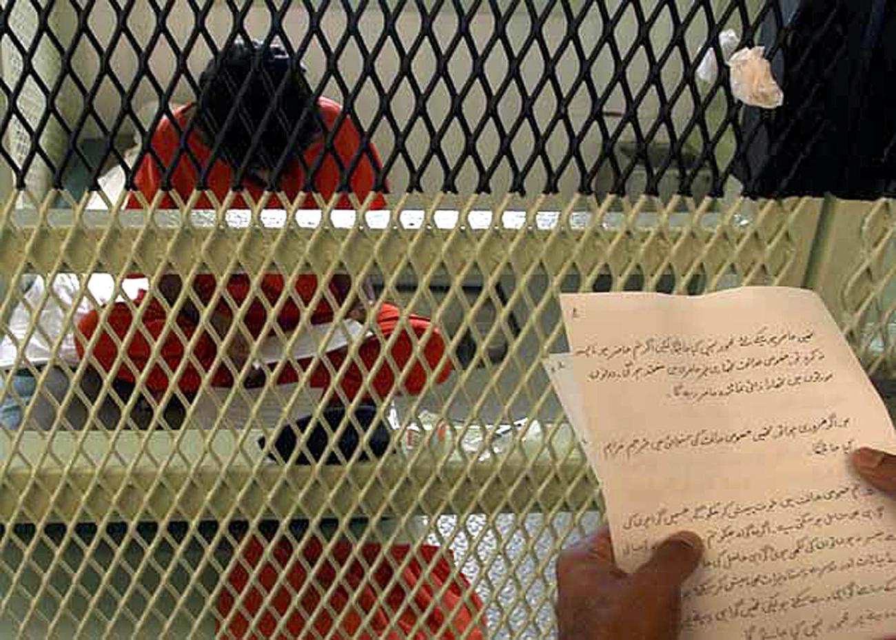 Egy guantanamoi rabnak öltözött tüntető Washingtonban
