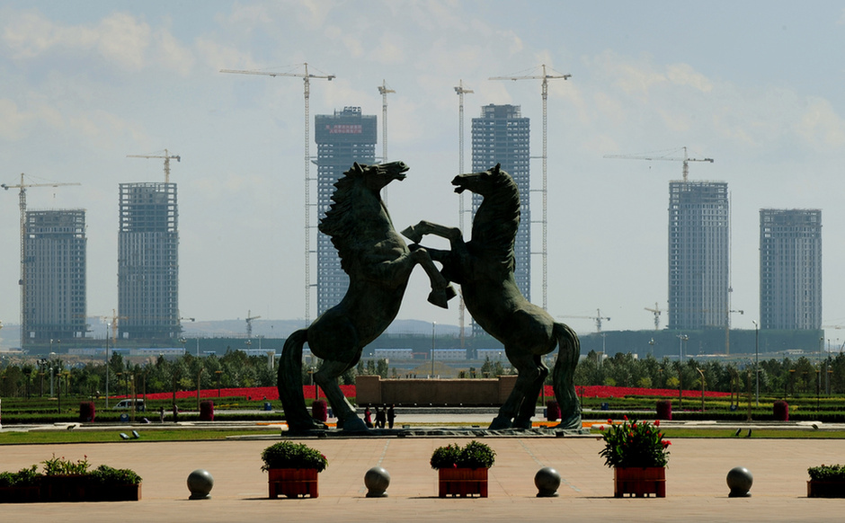 http://galeria.index.hu/kulfold/2011/09/14/kina_dubaia_ot_eve_lakatlan/2357418_1889bc266b6b45a429d61cac0ce25e53_l.jpg
