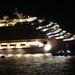 A legújabb adatok szerint tizenegy magyar volt a balesetet szenvedett olasz óceánjáró hajón, közülük kettőről egyelőre nincs hír: ők mindketten a hajó személyzetéhez tartoztak – közölte Érszegi Márk megbízott konzul szombat este Rómában.  Kilenc magyar biztosan megmenekült: egy háromfős család, egy fiatal pár, és négyen a Costa Concordia személyzetéből. Ők szállodába kerültek, de vannak köztük olyanok is, akik időközben már elindultak hazafelé.