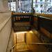 Néhány metróállomást már délután lezártak. Itt is deszkák és homokzsákok védenek.