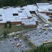 2007. január: Washington államban egy tacomai középiskolában egy 18 éves diák háromszor rálőtt 17 éves társára.