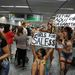 Innen sem hiányozhattak a FEMEN aktivistái, a Tom Jobin nemzetközi reptéren tüntettek a prostitúció ellen