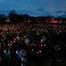 Gyászolók a Garvey Parkban.