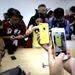 Először fordul elő, hogy az általános nemzetközi árusítás megkezdésével egy időben már Kínában is rögtön elérhetővé váljanak az Apple legújabb termékei.