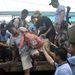 A kormány szerint húsz tartományban összesen 12 millió embert fenyeget a tájfun. Közülük egymillióan igyekeznek biztonságos helyen menedéket keresni.