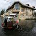 A Haiyan a várakozások szerint szombatig sújtja a Fülöp-szigetek térségét, majd továbbhalad Vietnam felé.