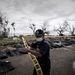 Holttesteket kerít körbe egy rendőr